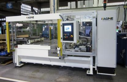 AGME desarrolla máquinas especiales para encolado de componentes de techos solares